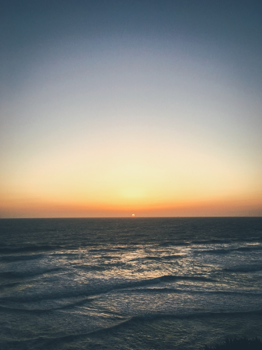 iPhone 6s Plus - sunset in Fort Funston in San Francisco California ocean waves lit perfect